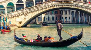 Venice_RialtoBridge_187378805